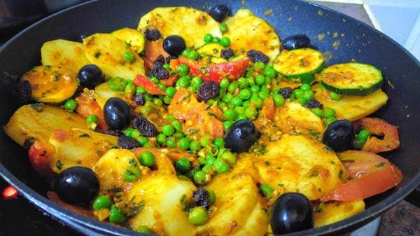 Tajine vegano de guisantes y verduras facil