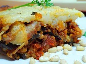 Receta vegana de Moussaka de berenjenas, lentejas y bechamel de patata