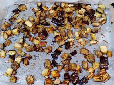 Berenjenas al horno con curry vegano de verduras