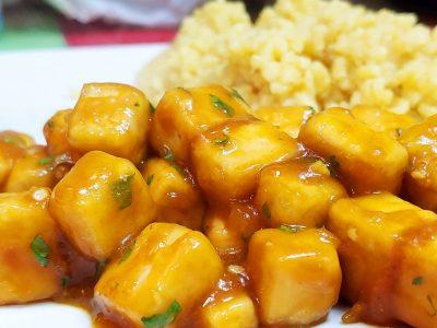Receta de tofu a la naranja crujiente y vegana pollo a la naranja vegano