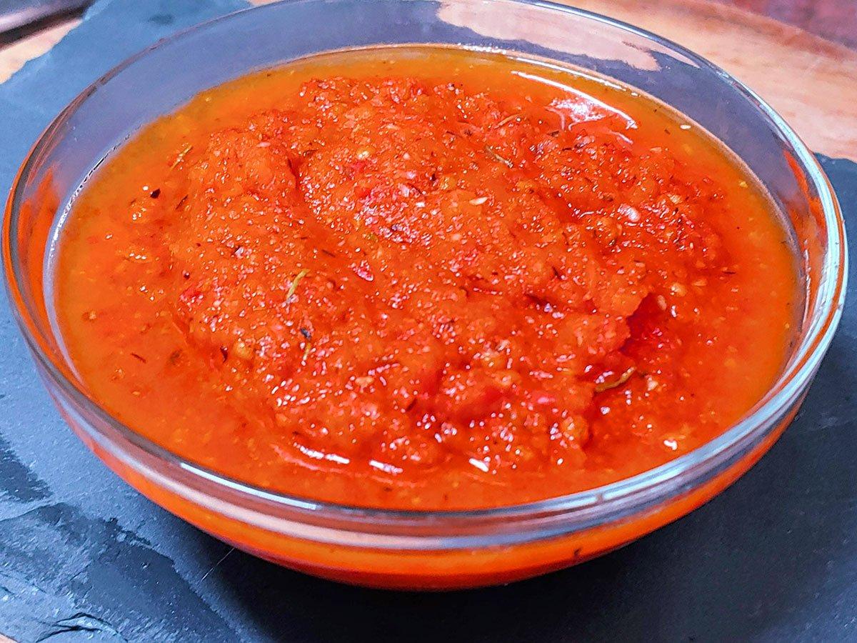 Receta de salsa de tomate casera, natural y rápida para pizza, pasta, albóndigas, thermomix, conserva