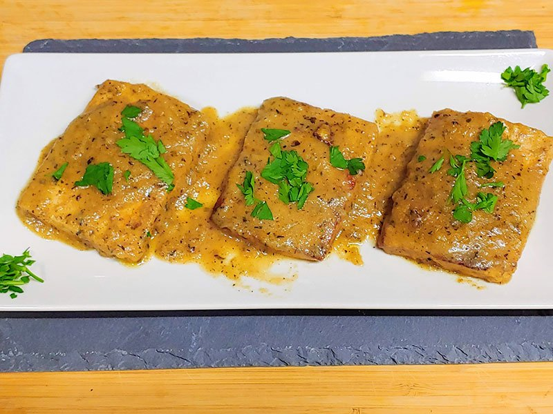 Recetas con tofu marinado al vino y frito con oregano y tomillo