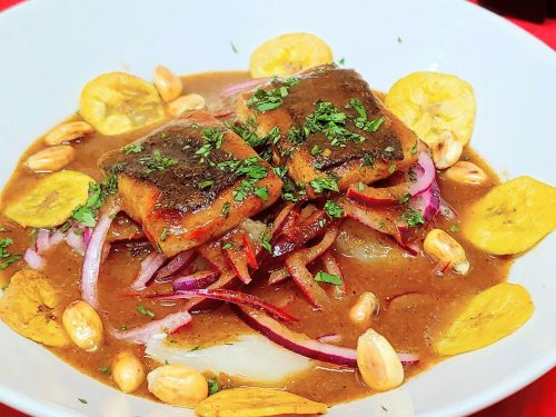 ▷ Receta de encebollado ecuatoriano vegano con pescado de tofu y algas