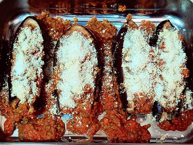 Berenjenas rellenas parmesano vegano