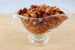Granola casera de avena saludable y artesanal